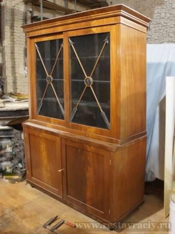 Шкаф книжный, антикварный, 20-е годы 19 века
