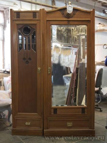 Шкаф комбинированный, двухстворчатый, зеркальный. Начало 20