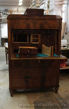 Оценка антикварной мебели