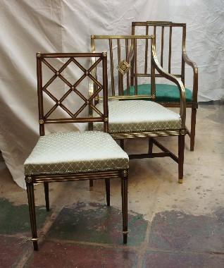 Ремонт старинных стульев. На фото стулья и кресла, которым более 100 лет. Какой современный дизайн! Как хорошо выглядят! Стоимость реставрации такого стула 30 тысяч рублей. И оно того стоит. Срок годности современного стула 3 года, а этим уже 100 и они как новые.