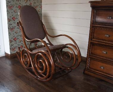 Реставрация. Фото кресло качалка. Замена сиденья и спинки. Перетяжка сетки.