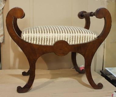 Музейная реставрация. Изготовление мягких пружинных сидений для антикварной мебели по старинным технологиям.