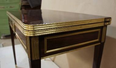 Реставрация и восстановление латуни на старинной антикварной мебели.