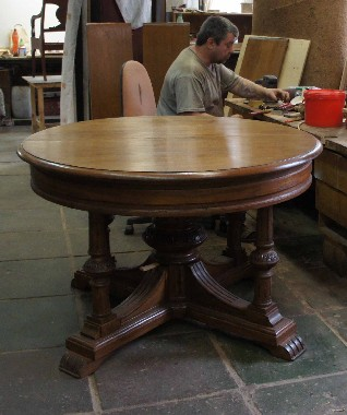 Реставрация круглого раздвижного раскладывающегося стола. восстановление раздвижного механизма.