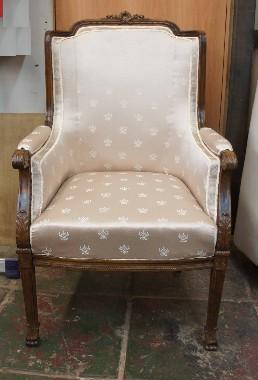 Перетяжка старого кресла. Замена ткани. Гарантия 3 года.
