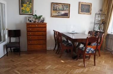 Антикварная мебель в современном интерьере. Музейная реставрация с возможностью полноценного использования. Консультация дизайнера.
