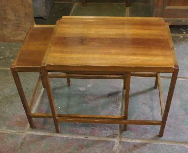 Раскладной стол-гнездо 60-х годов. Советская мебель. Реставрация., ремонт.