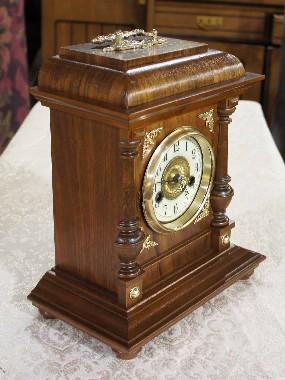 Реставрация старинных часов. Каминных, деревянных настенных, больших кабинетных, ходиков, с боем, а так же, старых музыкальных шкатулок и ящиков.