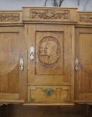 Ремонт и реставрация советской Сталинской мебели.