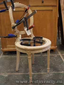 Склейка старинного стула