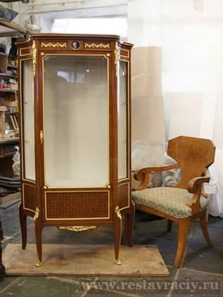 Антикварная мебель в Москве