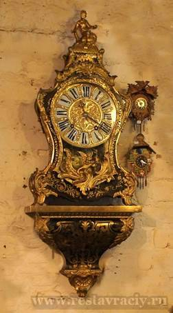 Часы крнсольные