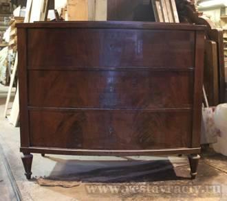 Антикварный комод после реставрации