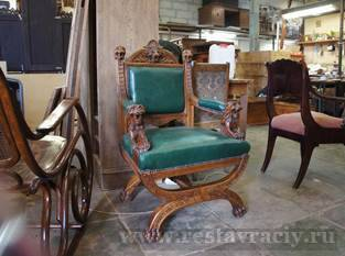 Реставрация антикварного кресла кожа