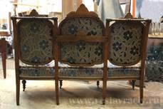 Антикварный диван до реставрации