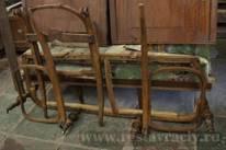 Антикварный диван после реставрации