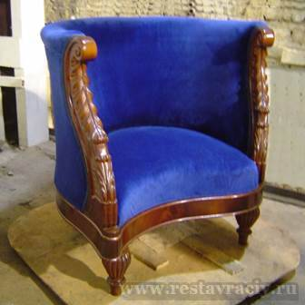 Мягкая обивка кресла
