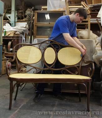 Покрыть мебель лаком