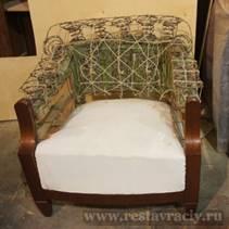 Кресло в процессе реставрации